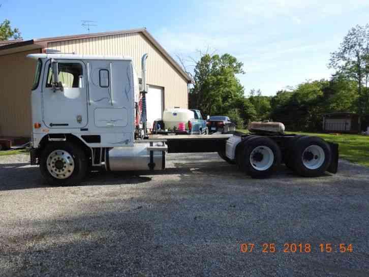 download 9600 International Truck workshop manual