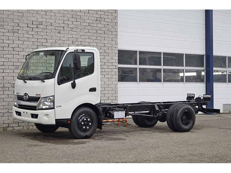 download HINO 300 Truck BODY CHASSIS workshop manual