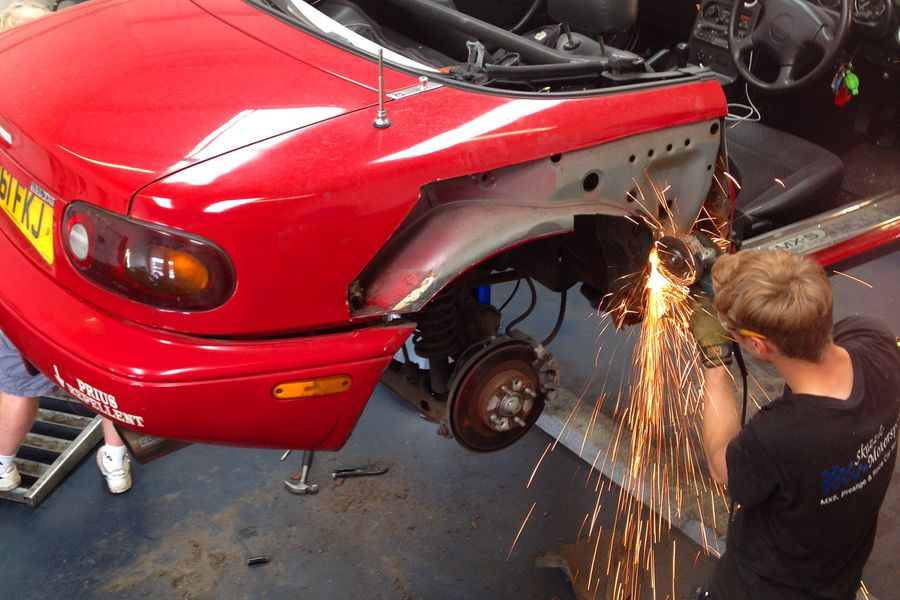 download Mazda MX 5 Miata workshop manual
