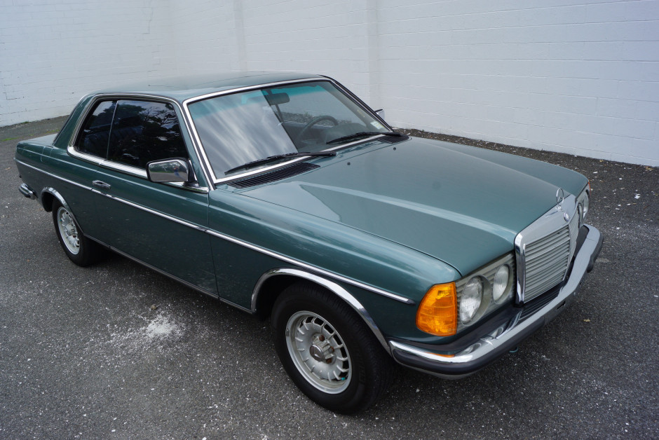 download Mercedes benz W123 280CE able workshop manual