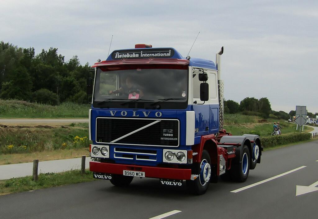 download VOLVO F12 Lorry Bus workshop manual
